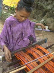 ikat-weaving