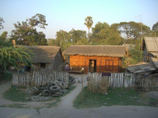 scene-from-the-mandalay-myitkyina-train-2