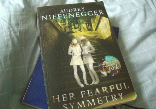 Book Report: Her Fearful Symmetry, by Audrey Niffenegger