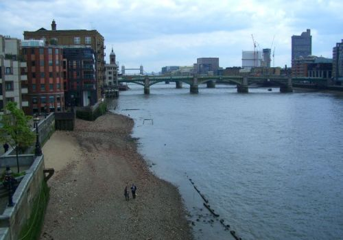 Scavenge Hunt Along the Thames